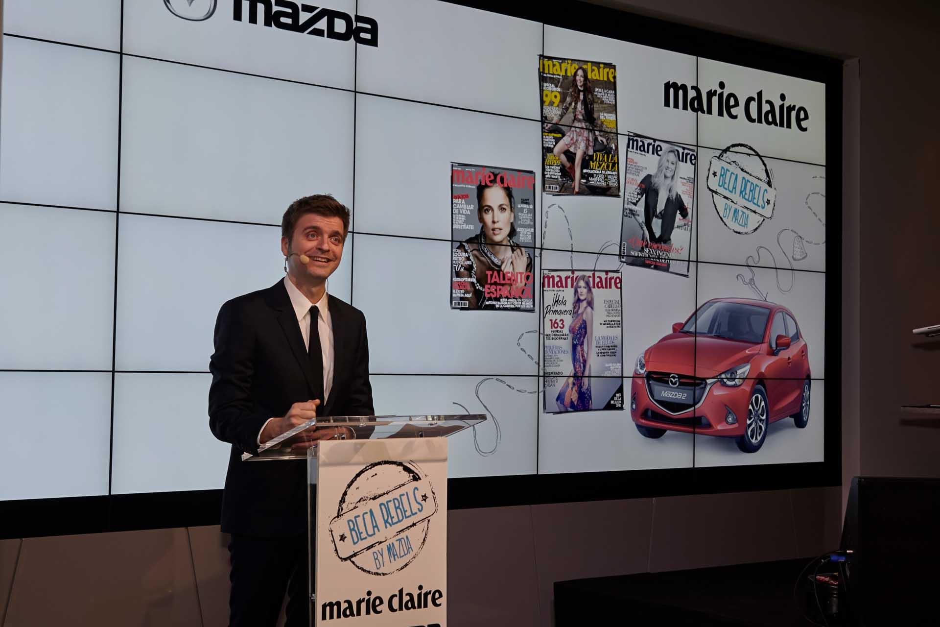 Marc Giró presentando la ceremonia de la entrega de premios Marie Claire Beca Rebels by Mazda.