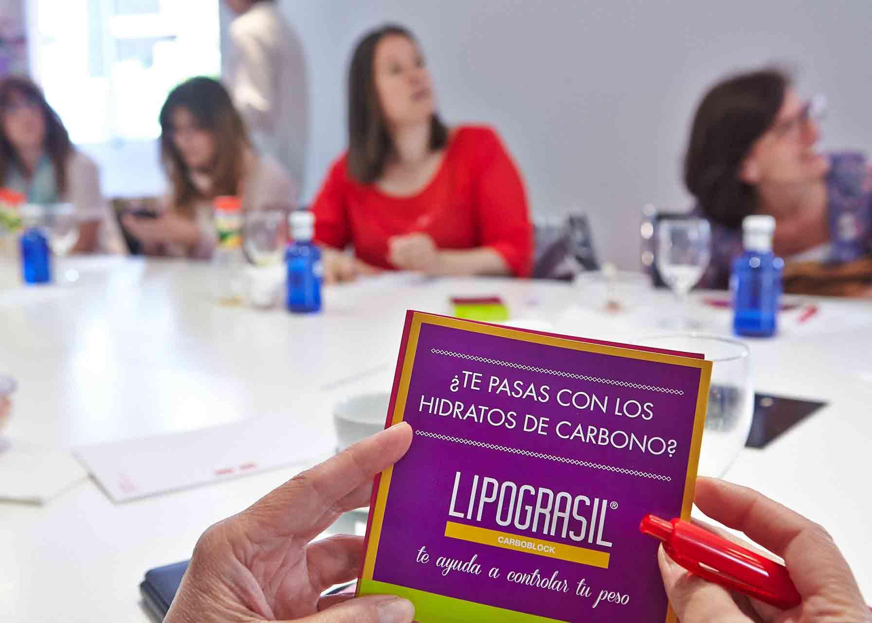 Conferencia que dió Lipograsil sobre nutrición y hábitos alimenticios aprovechando el lanzamiento de un nuevo producto